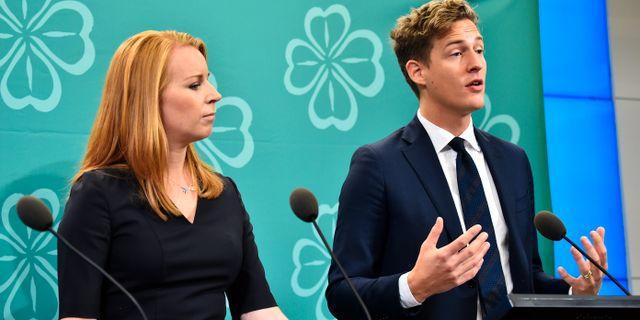 Annie Lööf och Emil Källström under en tidigare pressträff. Alexander Larsson Vierth/TT / TT NYHETSBYRÅN