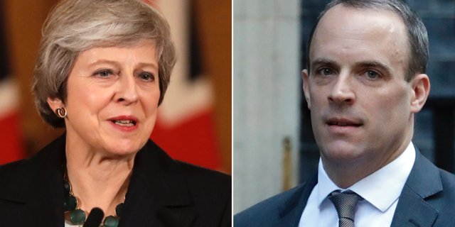Theresa May och Dominic Raab. TT