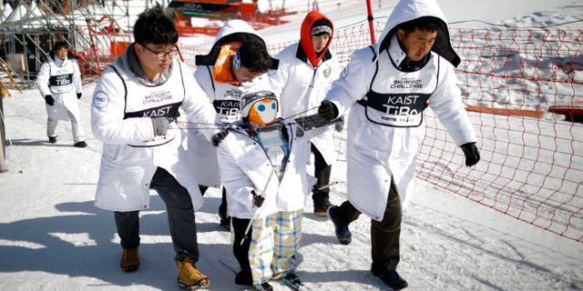 Roboten TiBo deltar i tävlingarna. KIM HONG-JI / TT NYHETSBYRÅN