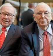 Arkivbild: Berkshire Hathaways gamla garde – Warren Buffett och Charlie Munger – bör kliva av och ge utrymme för nytt blod, enligt The Economist.  Nati Harnik / TT NYHETSBYRÅN