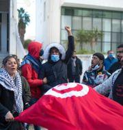 Demonstration i samband med tioårsdagen av revolutionen. Mosa'ab Elshamy / TT NYHETSBYRÅN