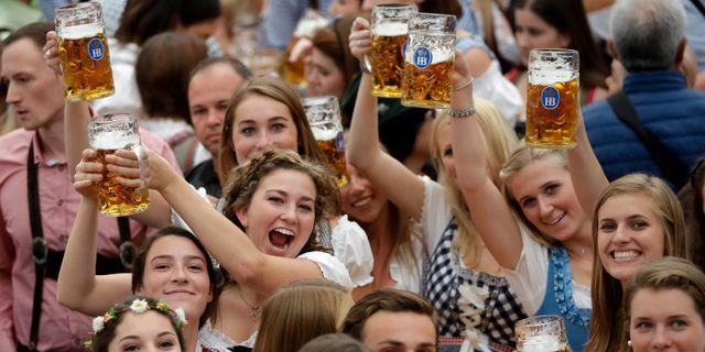 Bild från Oktoberfest i Tyskland. Matthias Schrader / TT NYHETSBYRÅN/ NTB Scanpix