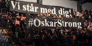 Lindblom hyllades med ett tifo av sina gamla fans i Gävle. Pernilla Wahlman / TT / TT NYHETSBYRÅN