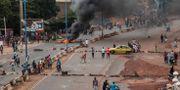 Protester i landets huvudstad Bamako tidigare den här månaden. Baba Ahmed / TT NYHETSBYRÅN