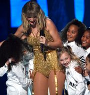 Taylor Swift på American Music Awards. Chris Pizzello / TT NYHETSBYRÅN