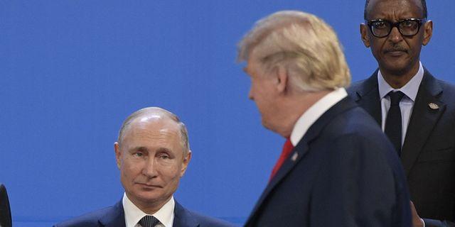 Arkivbild. Trump och Vladimir Putin under G20-mötet i Buenos Aires i november.  JUAN MABROMATA / AFP