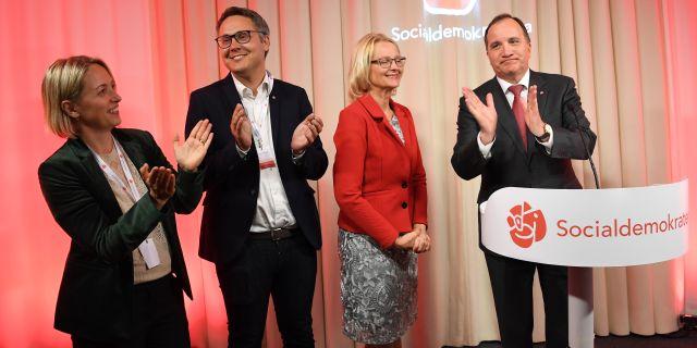 Jytte Guteland, Johan Danielsson, Heléne Fritzon och statsminister Stefan Löfven i samband med EU-valet. Jonas Ekströmer/TT / TT NYHETSBYRÅN