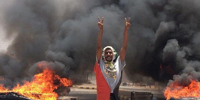 Demonstrant i Khartoum, Sudan.  TT
