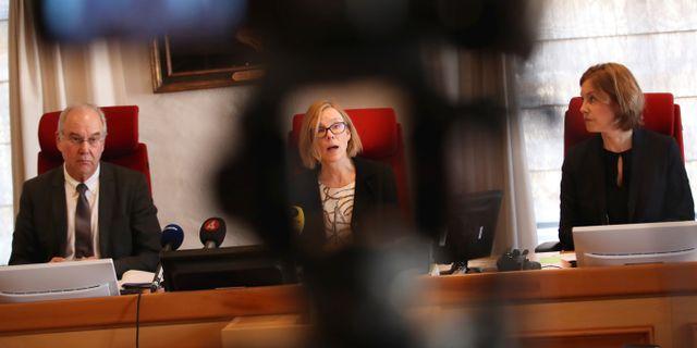 Domare Nils Karlberg, hovrättslagman Charlotta Riberdahl och hovrättsråd Catherine Beckström Gustafsson under pressträffen i Jönköpings hovrätt Adam Ihse/TT / TT NYHETSBYRÅN