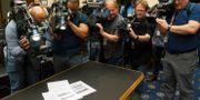 Medierna kastade sig över rapporten när den släpptes. Cliff Owen / TT NYHETSBYRÅN/ NTB Scanpix