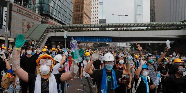 Demonstranter i Hongkong.  Kin Cheung / TT NYHETSBYRÅN
