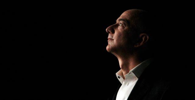 Arkivbild: Amazons grundare och vd Jeff Bezos.  Reed Saxon / TT / NTB Scanpix