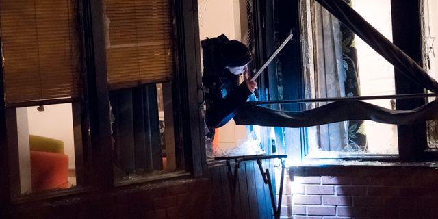 Polisen på plats efter att en sprängladdning har detonerat i anslutning till en bostad i Staffanstorp i Skåne. Johan Nilsson/TT / TT NYHETSBYRÅN