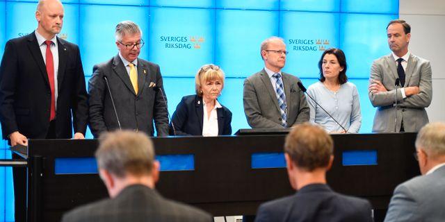 Daniel Bäckström (C), Hans Wallmark (M) Beatrice Ask (M), Mikael Oscarsson (KD), Karin Enström (M), Allan Widman (M) i våras. Naina Helèn Jåma/TT / TT NYHETSBYRÅN