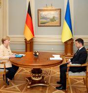 Angela Merkel och Volodomyr Zelenskyj möttes i Kiev.  TT NYHETSBYRÅN