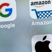 Google, Amazon, Facebook, Apple. DENIS CHARLET / AFP