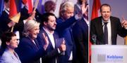 Frankrikes Marine le Pen, Italiens Matteo Salvini och Nederländernas Geert Wilders. Till höger håller Harald Vilimsky ett tal. TT