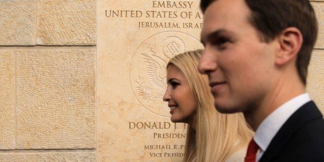 Ivanka Trump med maken Jared Kushner. Sebastian Scheiner / TT / NTB Scanpix