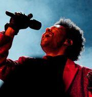 The Weeknd uppträder under Super Bowl 2021. David J. Phillip / TT NYHETSBYRÅN