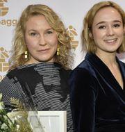 """Eva Melander, till vänster, har chans att ta hem pris för bästa kvinnliga huvudroll för sina insatser i """"Gräns"""". I kategorin ställs hon mot Alba August och Léonore Ekstrand. Stina Stjernkvist/TT / TT NYHETSBYRÅN"""