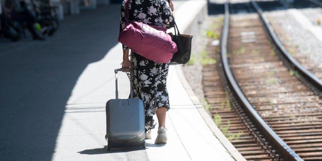 Resenär på Stockholms central i juni. Fredrik Sandberg/TT / TT NYHETSBYRÅN