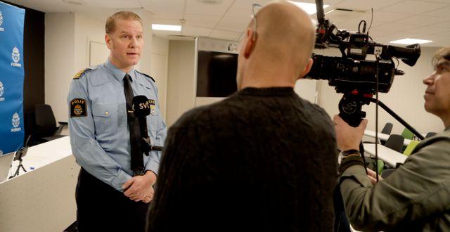 Josef Wiklund, lokalpolisområdeschef i Medelpad, håller en pressträff med anledning av söndagens olycka i Timrå Mats Andersson/TT / TT NYHETSBYRÅN