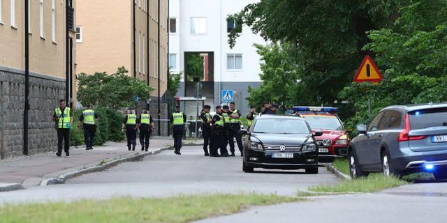 Poliser i Linköping.  Jeppe Gustafsson / TT NYHETSBYRÅN