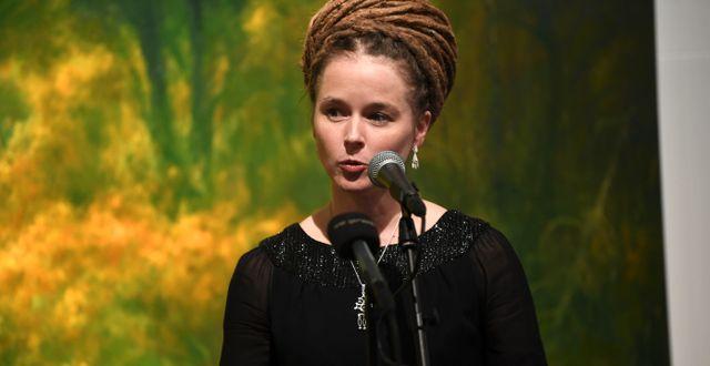 Amanda Lind vid prisutdelningen. Fredrik Sandberg/TT / TT NYHETSBYRÅN