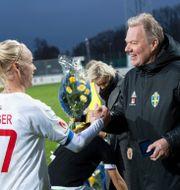 Landslagskaptenen Caroline Seger och SvFF-bossen Karl-Erik Nilsson. Johan Nilsson/TT / TT NYHETSBYRÅN