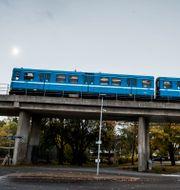 Tunnelbanetåg av den gamla modellen på röda linjen. Arkivbild. Magnus Hjalmarson Neideman/SvD/TT / TT NYHETSBYRÅN