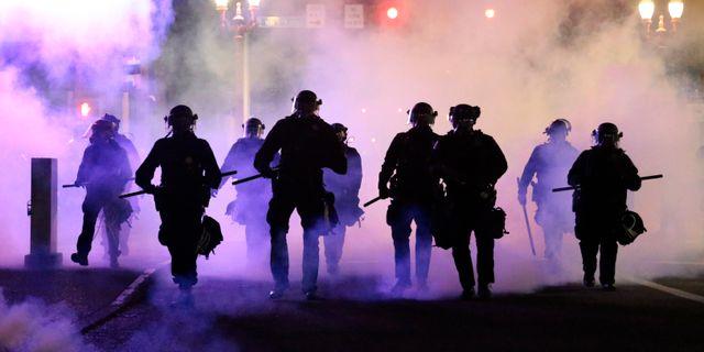 Poliser i Portland i samband med protesterna. Dave Killen / TT NYHETSBYRÅN
