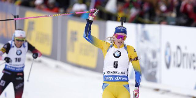 Hanna Öberg vid mållinjen.  Hagen, Fredrik / TT NYHETSBYRÅN