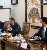 Rafael Mariano Grossi på IAEA med Irans atomenergiorganisation AEOI:s Mohammad Eslami vid en pressträff i Teheran, Iran. TT NYHETSBYRÅN