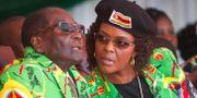 Robert och Grace Mugabe. Arkivbild från juni 2017. Tsvangirayi Mukwazhi / TT / NTB Scanpix