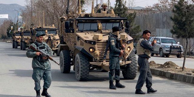 Arkivbild. Säkerhetsstyrkor och afghansk polis i huvudstaden Kabul. Rahmat Gul / TT NYHETSBYRÅN
