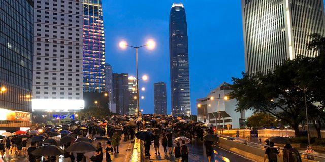 Illustrationsbild: Demonstranter på Hongkongs gator.  Moa Kärnstrand/TT / TT NYHETSBYRÅN