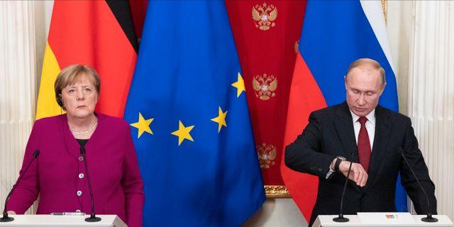 Merkel och Putin. Arkiv. Pavel Golovkin / TT NYHETSBYRÅN