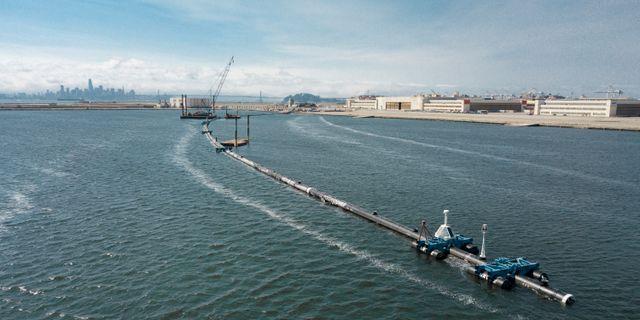 Ocean Clean-ups anordning för att rensa havet. TT NYHETSBYRÅN/ NTB Scanpix