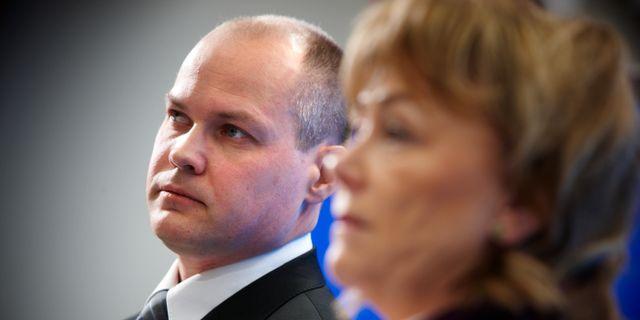 Merkel vill ha skarpt vapenkontroll