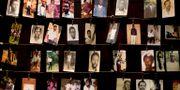 Arkivbild. Bilder på offer för folkmordet på ett minnescenter i Kigali i Rwanda. Ben Curtis / TT NYHETSBYRÅN/ NTB Scanpix