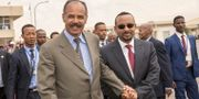 Arkivbild: Eritreas president Isaias Afwerki tillsammans med Etiopiens premiärminister Abiy Ahmed.  SOCIAL MEDIA / TT NYHETSBYRÅN