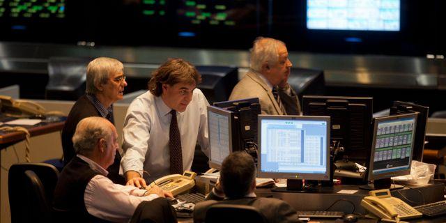 Arkivbild från Buenos Aires-börsen. Eduardo Di Baia / TT NYHETSBYRÅN