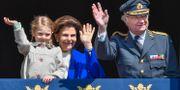 Prinsessan Estelle, drottning Silvia och kung Carl Gustaf. Jonas Ekströmer/TT / TT NYHETSBYRÅN