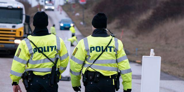 Poliser vid Öresundsbron.  Johan Nilsson/TT / TT NYHETSBYRÅN