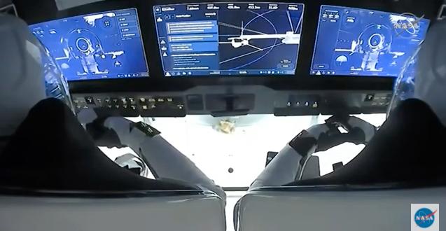 Skärmdump från direktsändningen i samband med dockningen. Nasa