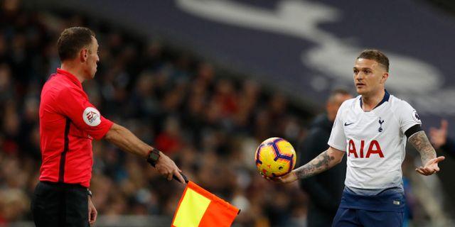Här har Tottenhams Kieran Trippier vinkats av för offside. Alastair Grant / TT NYHETSBYRÅN