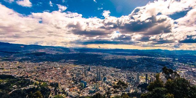 I Colombias huvudstad Bogotá finns ett buffébord av intressanta restauranger.  Unsplash