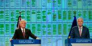 David Davis (till vänster) och Michel Barnier på måndagen. Virginia Mayo / TT NYHETSBYRÅN