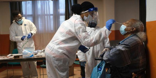 Arkivbild. Boende på äldreboende i USA testas för coronaviruset. Seth Wenig / TT NYHETSBYRÅN