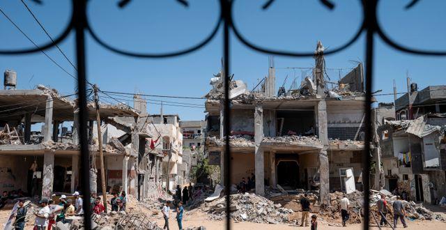 Ett sönderbombat bostadshus i Beit Hanoun på Gazaremsan.  John Minchillo / TT NYHETSBYRÅN